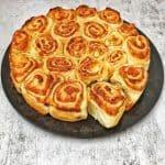 Hefeteig Rosenbrot mit Frischkäse gefüllt
