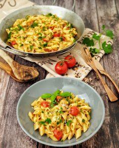 One Pot Pasta mit Huhn ist ein schnelles und leckeres Gericht für jeden Tag