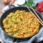 Asiatische Reispfanne mit Hähnchen und Gemüse