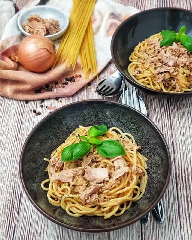 Spaghetti mit Thunfisch-Sahne Soße