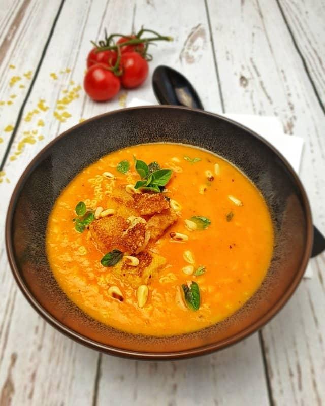 Tomatensuppe mit Buchstabennudeln, Buchstabensuppe