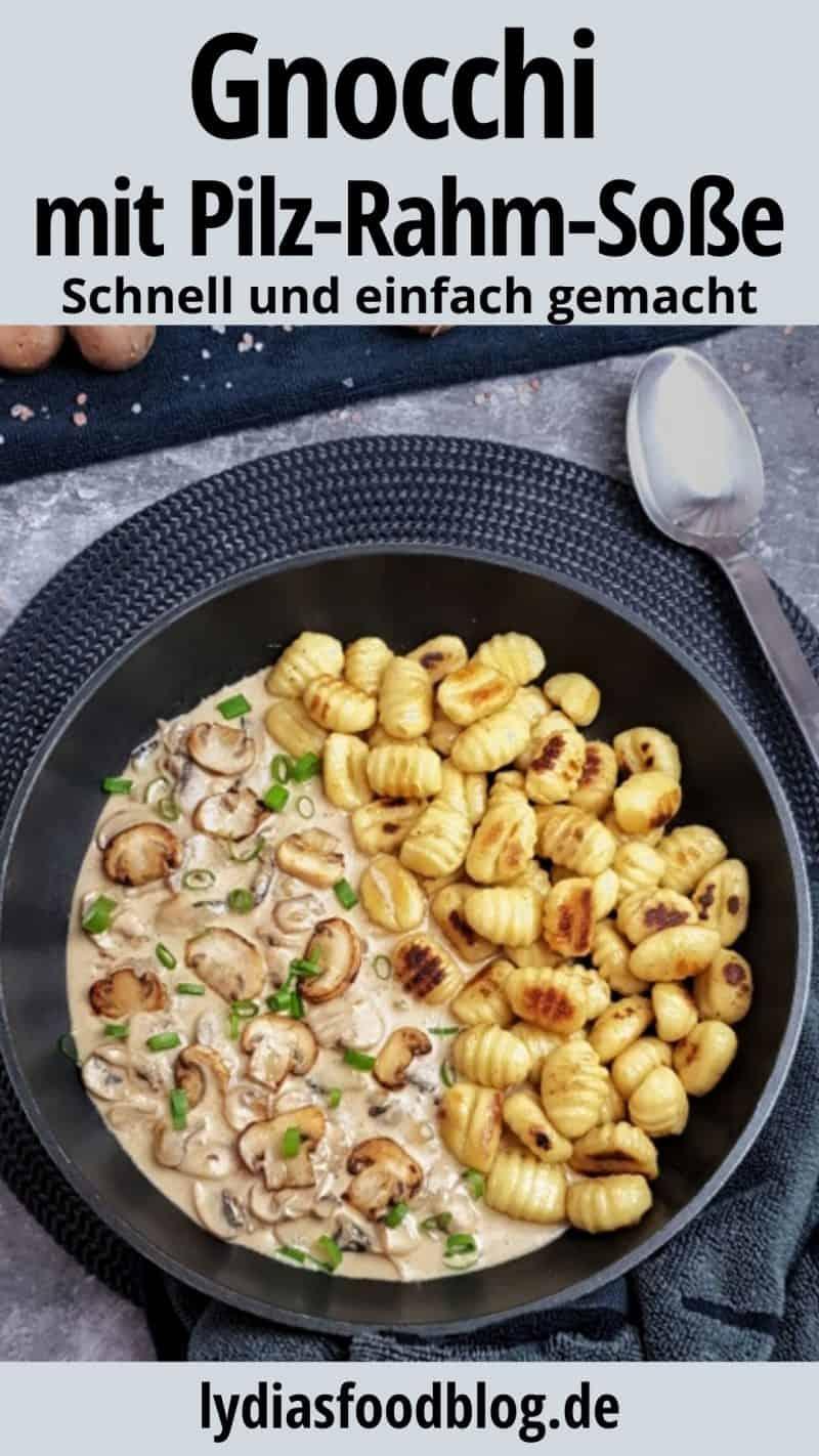 Gnocchi in Rahm-Soße in einer Pfanne angerichtet und mit Schnittlauch garniert.
