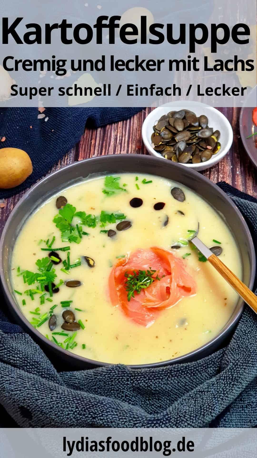 Kartoffelsuppe mit Lachs, Kürbiskernen und frischen Kräutern